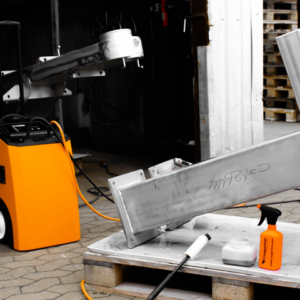 Die Geschichte hinter InoxFURY – Wie wir den stärksten elektrochemischen Schweißreiniger entwickelt haben
